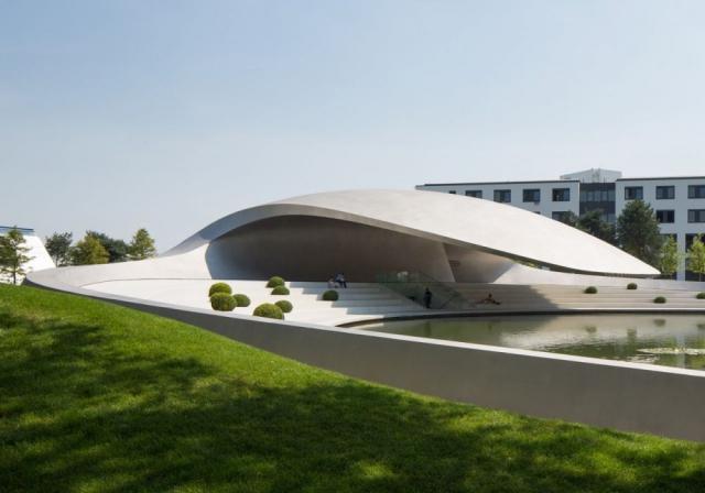 建筑设计:德国沃尔夫斯堡市大众汽车主题公园的保时捷