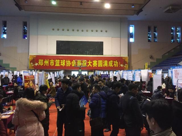 中原地区招聘火爆 建筑英才网亮相郑州大型招聘会