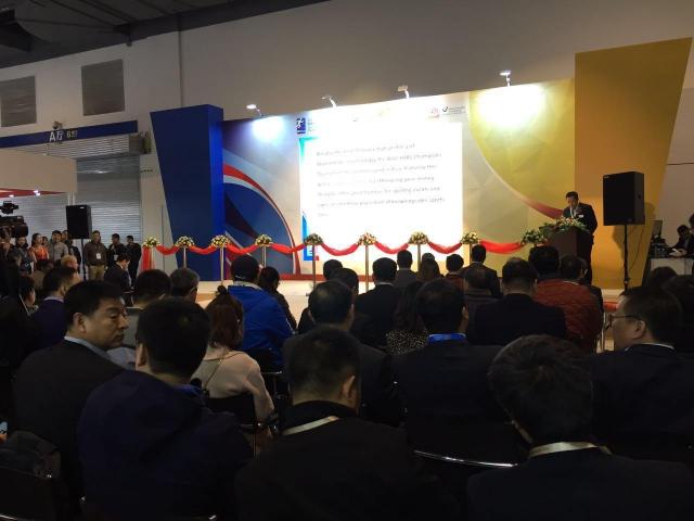 重塑体育场地行业新生态, 上海体育场地展今日盛大开幕