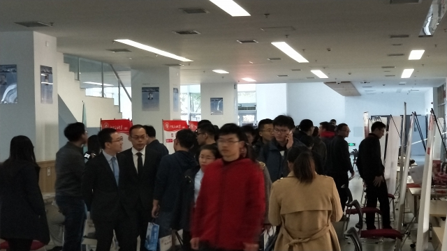 化工英才网参加中国石油大学校园双选会